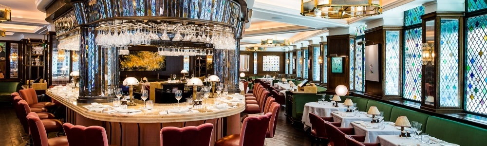 The-Ivy-bar-and-tables-by-Paul-Winch-Furness-HR-1