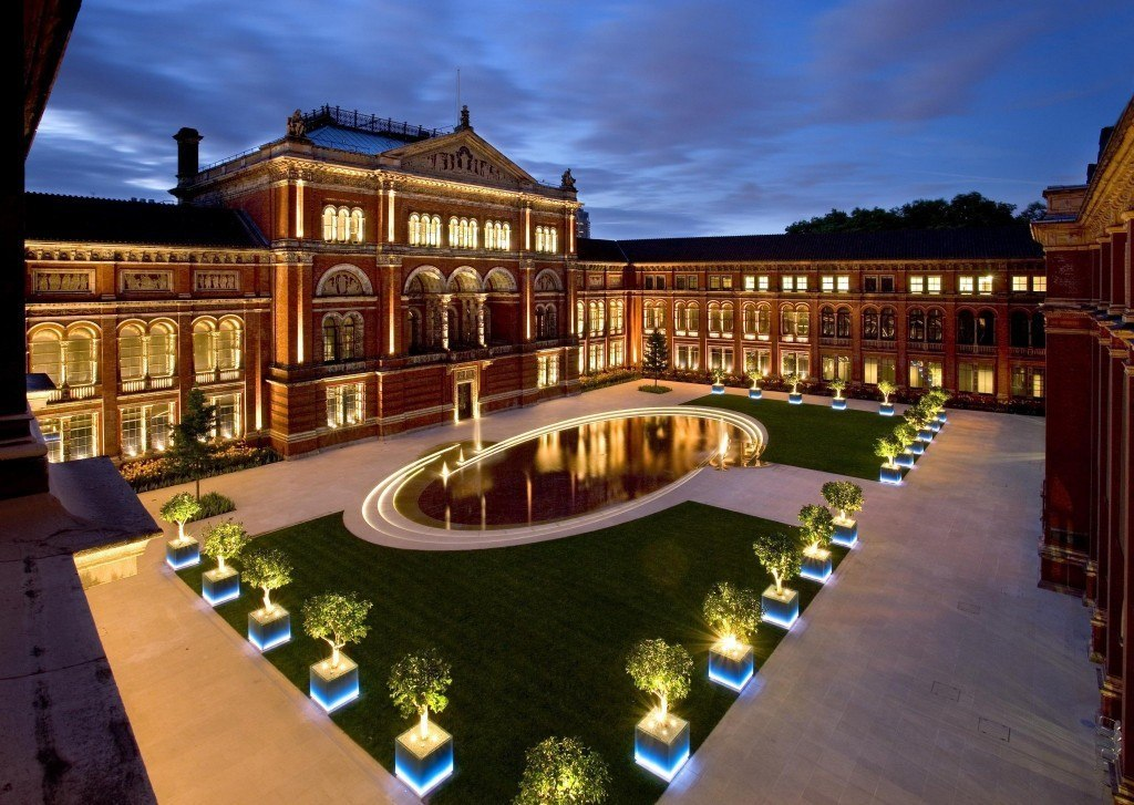 V&A Garden light at night